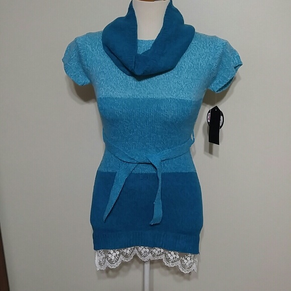 Star Ride Other - 2pc short sleeved belted sweater dress with scarf